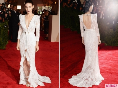 Rooney-Mara-Met-Costume-Institute-Gala-Givenchy-Gown-New-York-City-05062013-lead01-400x300